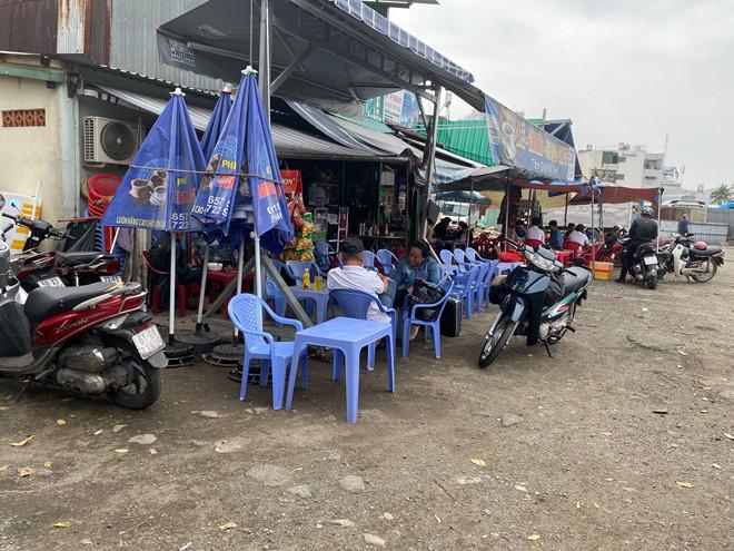 Lấp sông Bình Triệu làm bến xe cóc - Ảnh 4.