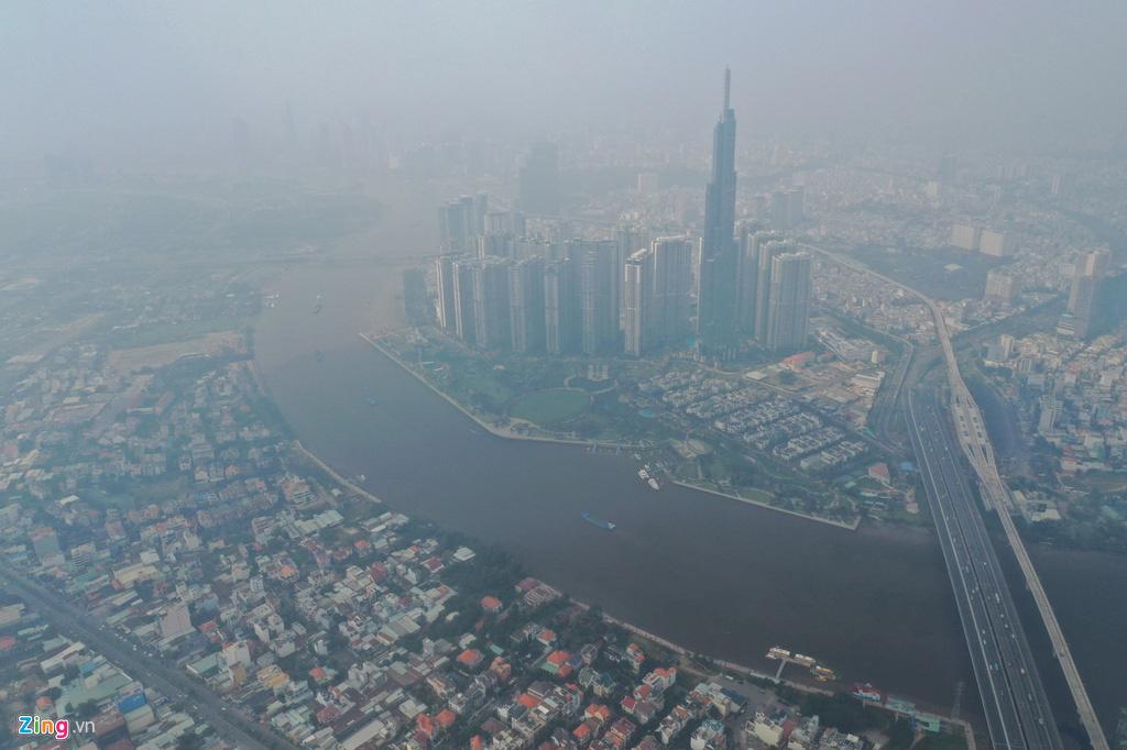 TP HCM trong ngày không khí chạm ngưỡng nguy hại - Ảnh 2.