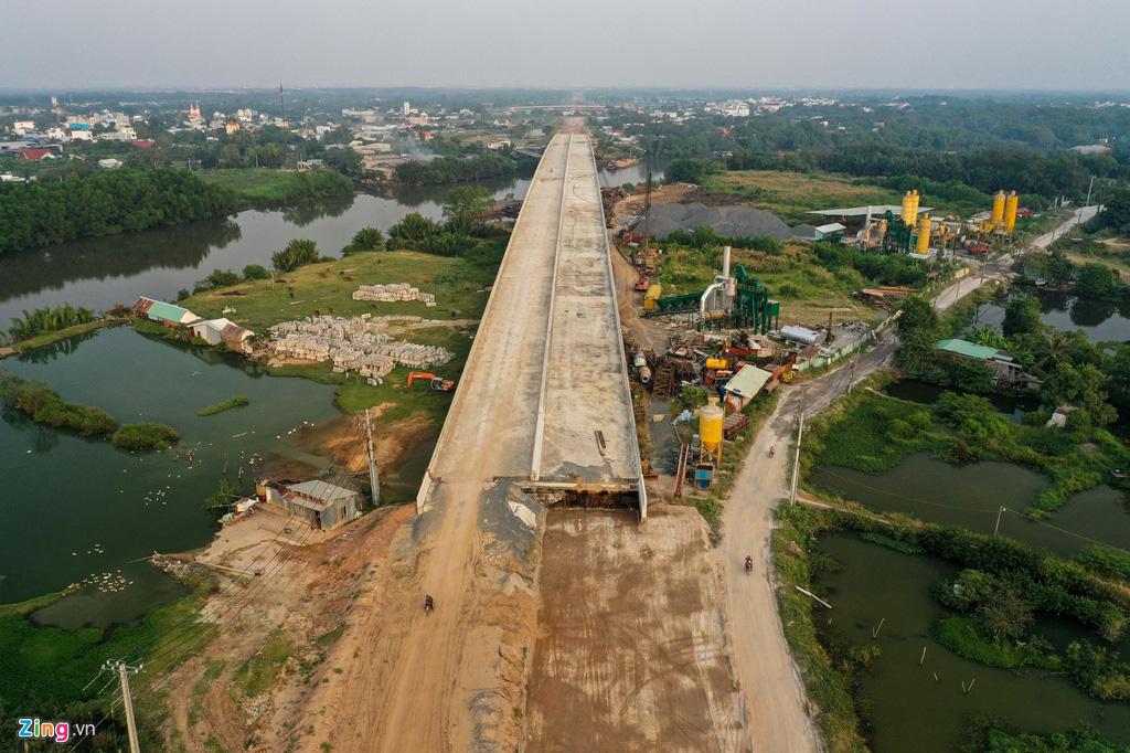 Cao tốc Bến Lức - Long Thành dở dang sau 5 năm thi công - Ảnh 8.