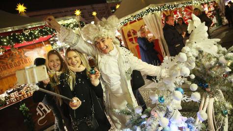 Các chợ Giáng Sinh tuyệt vời nhất ở Châu Âu - Ảnh 1.