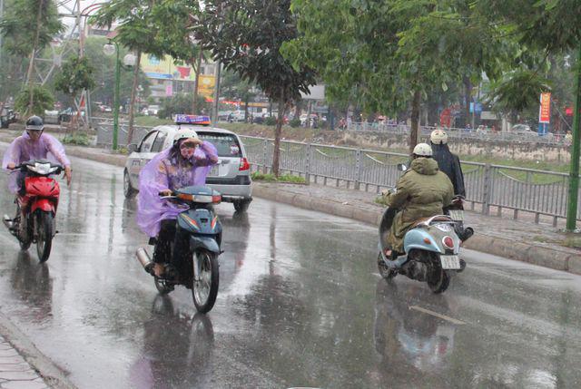 Ảnh hưởng không khí lạnh, ngày mai Hà Nội mưa rét - Ảnh 1.