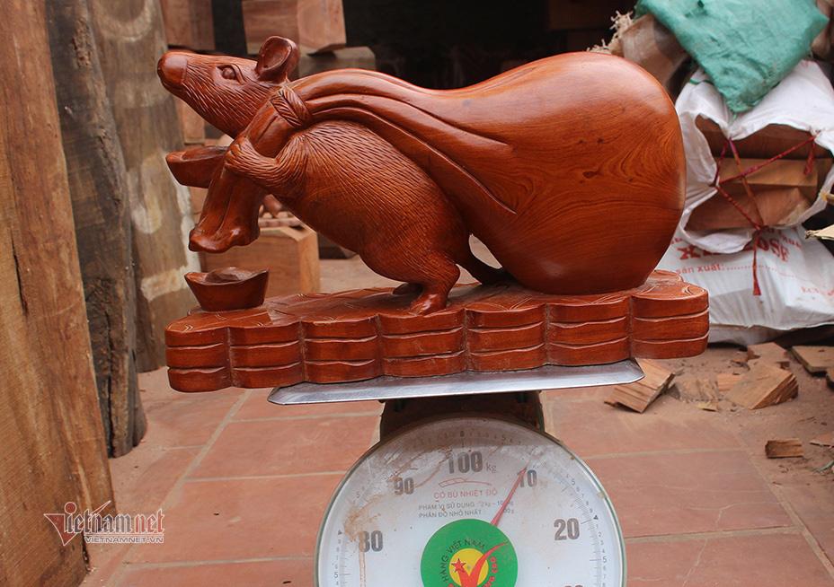 Canh Tí 2020, tròn mắt thấy con chuột khổng lồ nặng 10 kg - Ảnh 1.