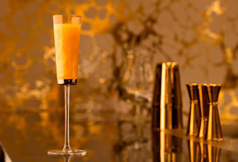 Li cà phê phủ vàng 24k tại khách sạn 7 sao xa xỉ nhất thế giới ở Dubai - Ảnh 3.