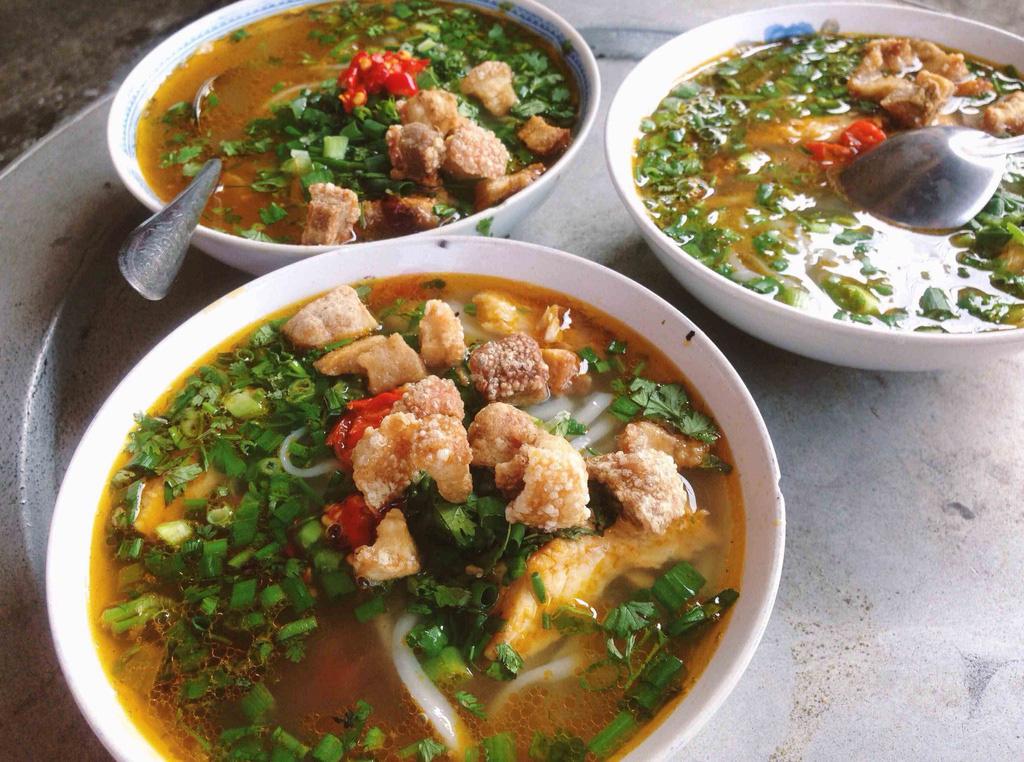Những món ăn nên thử khi tới cố đô Huế - Ảnh 3.