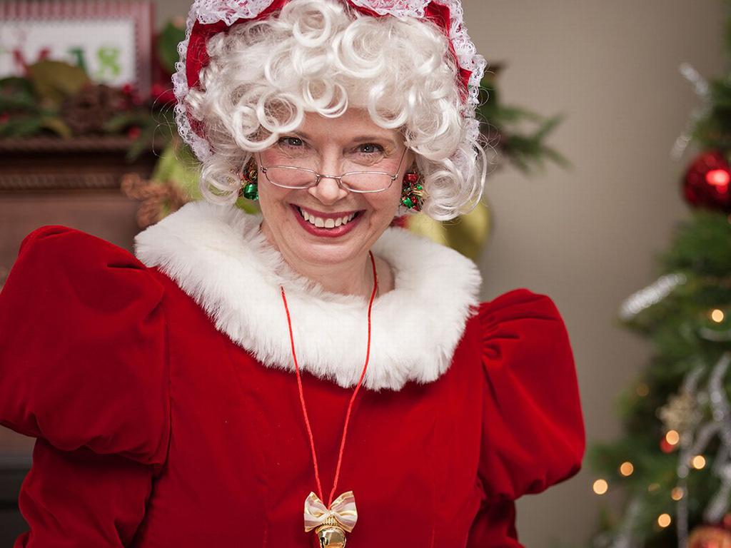Giấu chổi và những phong tục đón Giáng sinh kì lạ - Ảnh 4.
