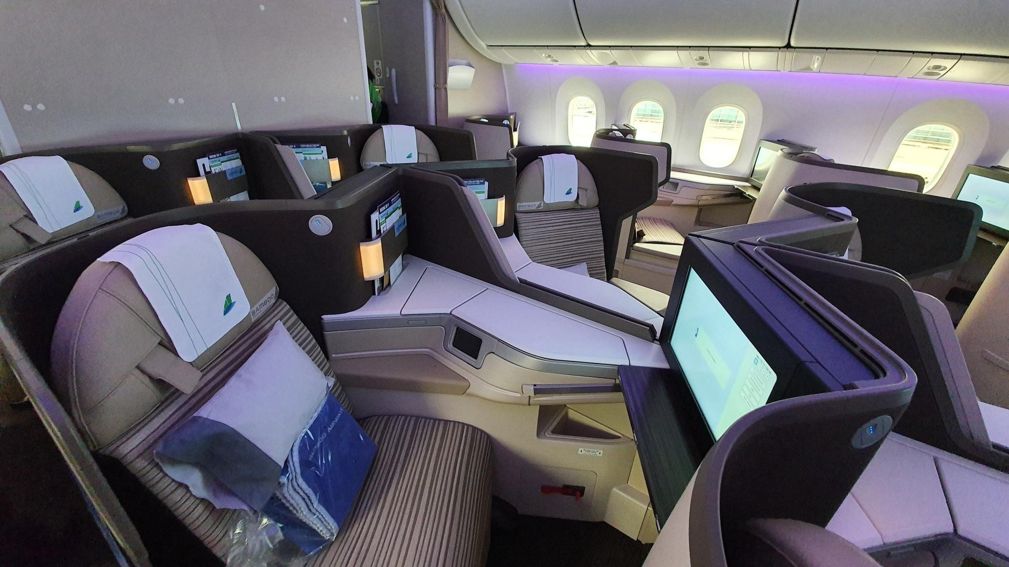 Cận cảnh siêu máy bay thân rộng Boeing 787-9 đầu tiên của Bamboo Airways - Ảnh 4.