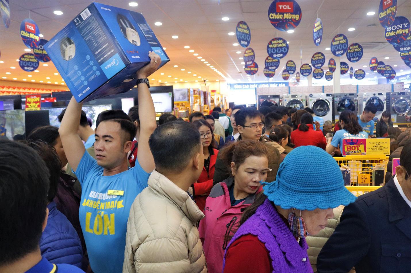 Thị trường bán lẻ điện máy: Kẻ ngậm ngùi giải thể, người chế ngự ngôi vương - Ảnh 3.