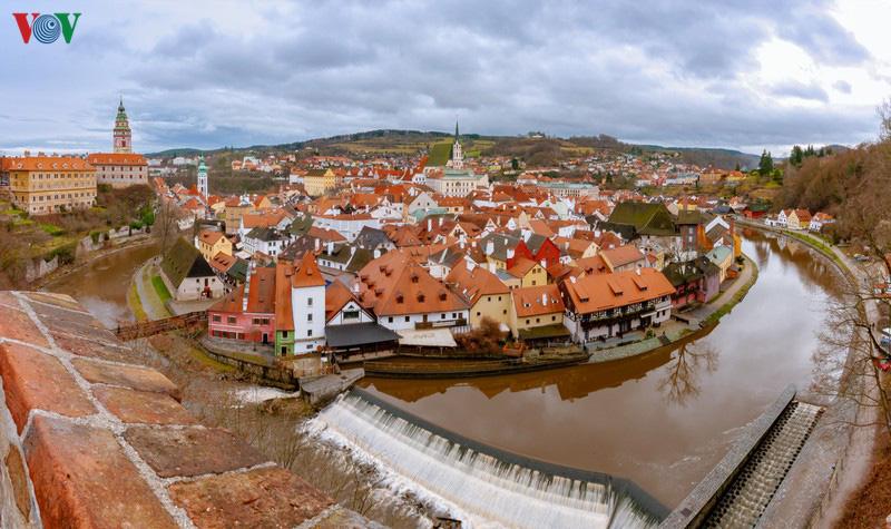 Không khí Noel rộn ràng tại các thành phố, làng cổ châu Âu - Ảnh 16.