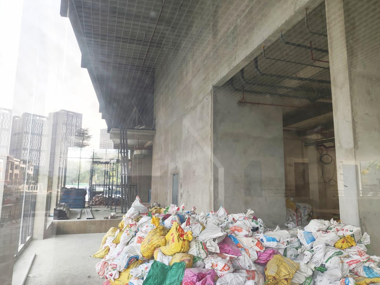 Dự án đang mở bán ở Hà Nội: Chủ đầu tư Kosmo Tây Hồ muốn đẩy bán những căn hộ 'tồn kho' sau hơn 3 năm mở bán - Ảnh 5.
