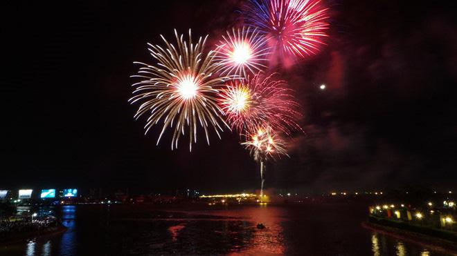 3 địa điểm ngắm pháo hoa Tết Dương lịch 2020 tại TP HCM - Ảnh 1.