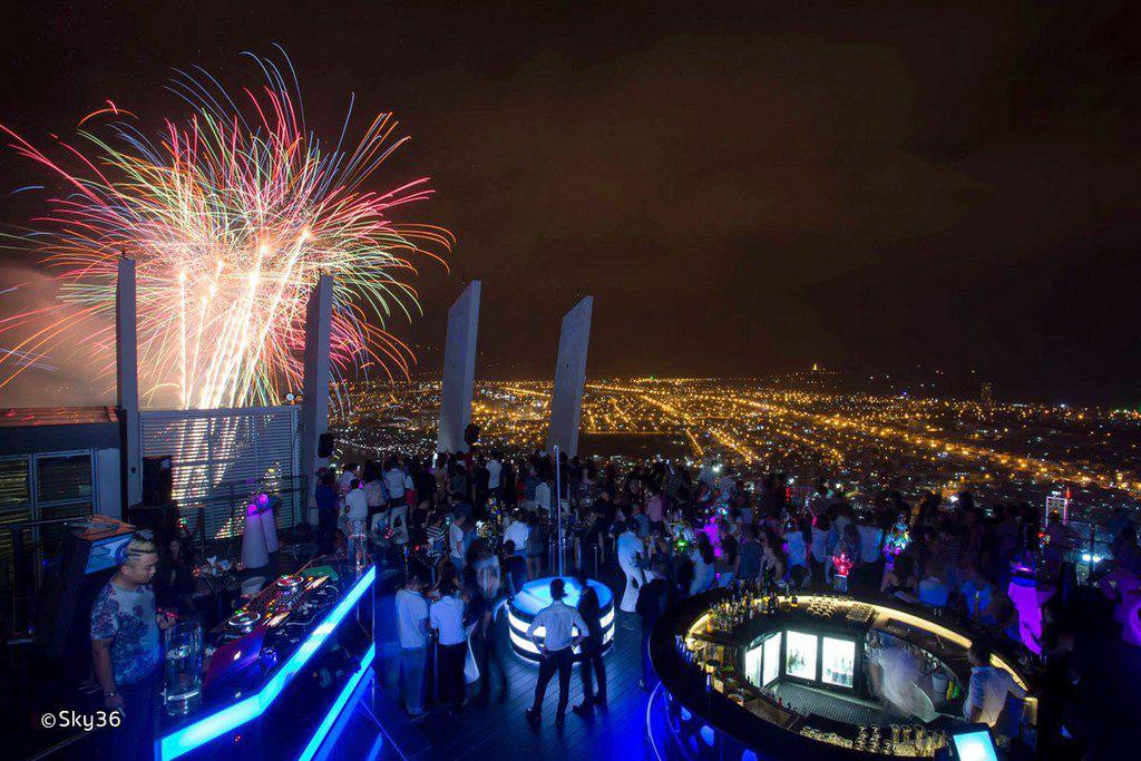 Những địa điểm lí tưởng để ngắm pháo hoa đón Tết Dương lịch 2020 tại Đà Nẵng - Ảnh 3.