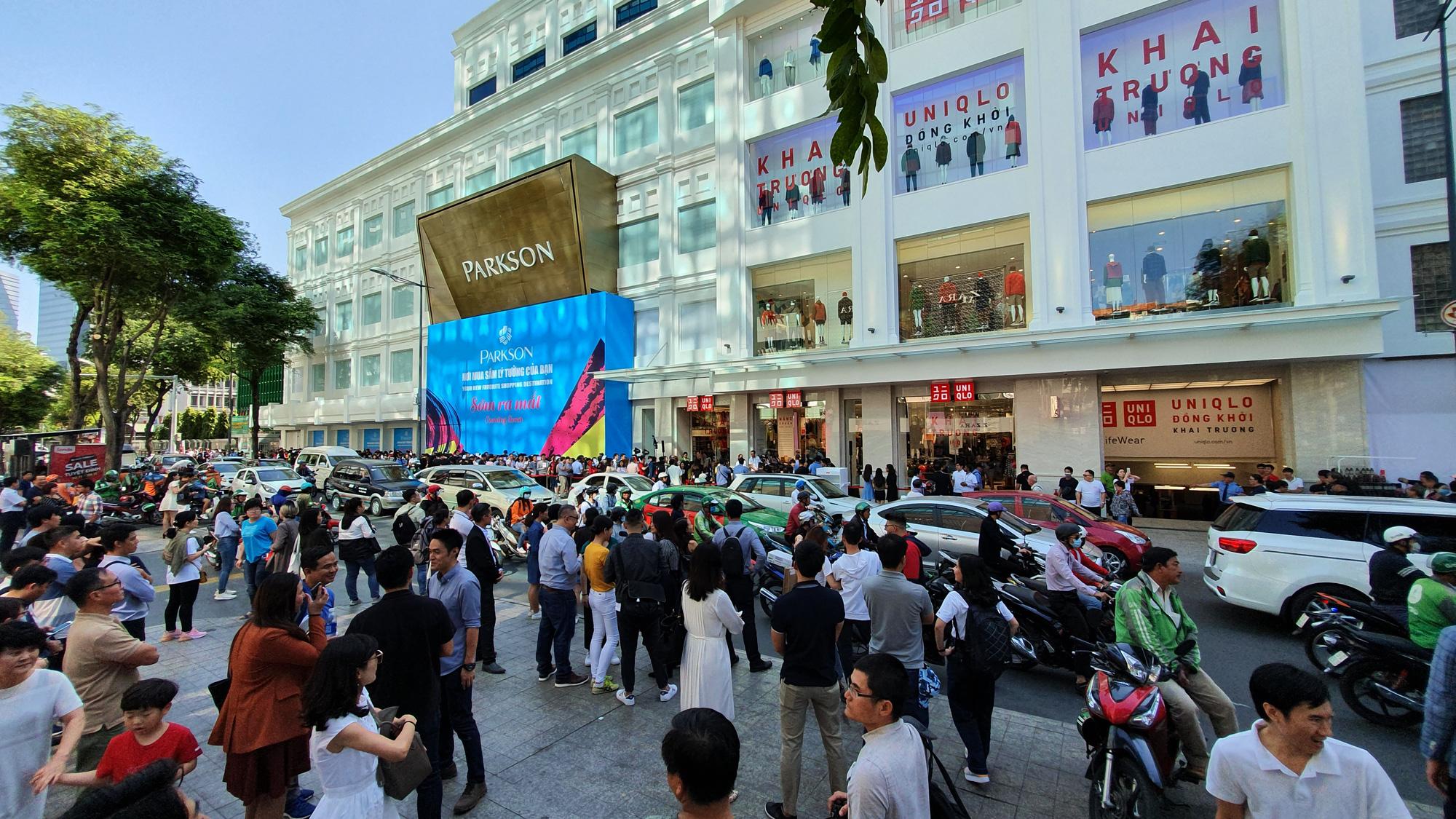 Uniqlo mở cửa hàng đầu tiên tại Hà Nội vào đầu năm sau - Ảnh 1.