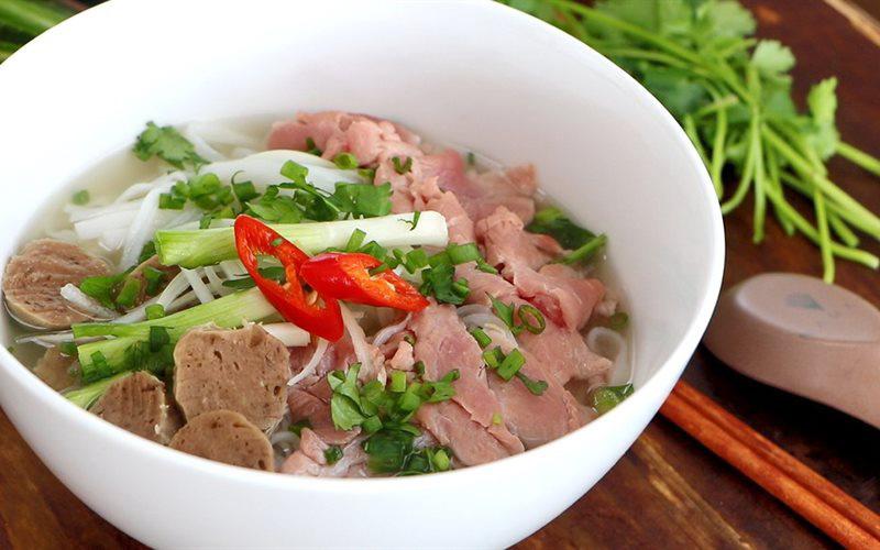 Những món ăn Việt Nam được báo nước ngoài ca ngợi năm 2019 - Ảnh 1.