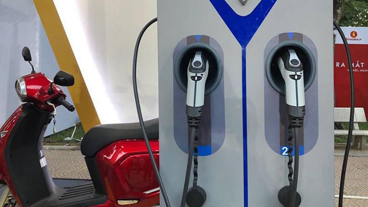 Ra mắt mẫu mới, xe máy điện VinFast của tỉ phú Phạm Nhật Vượng giảm giá đến 10 triệu đồng - Ảnh 2.
