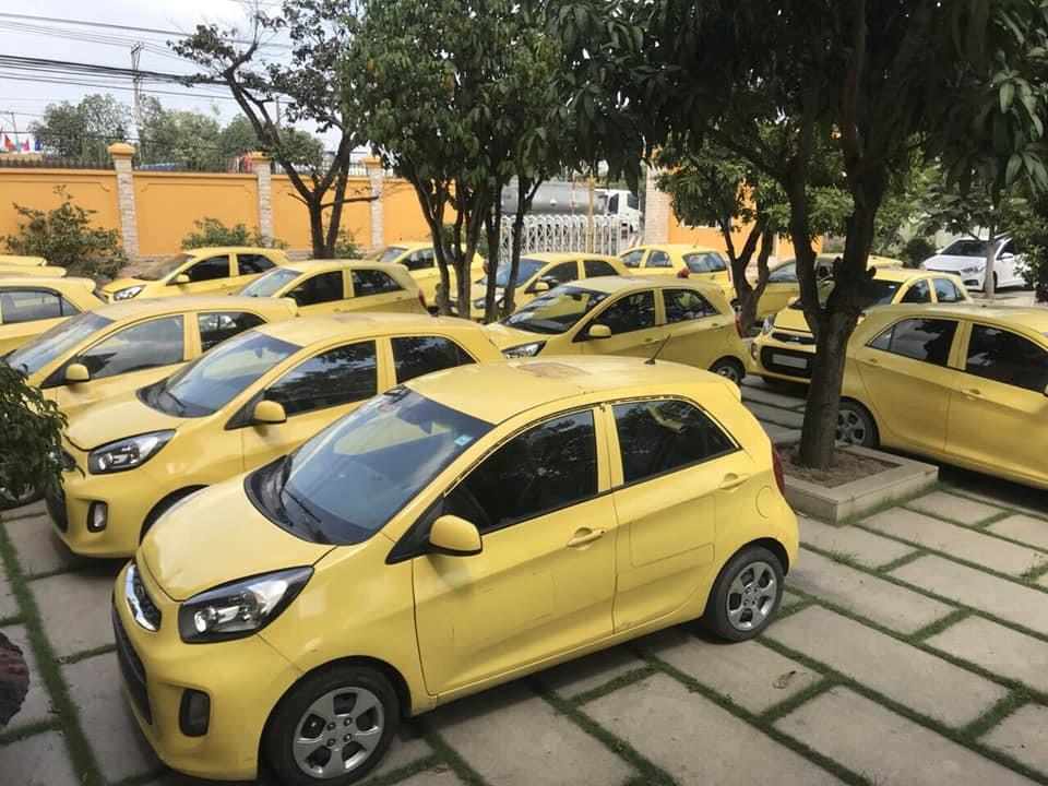Có nên mua xe taxi thanh lí với giá rẻ bèo? - Ảnh 1.