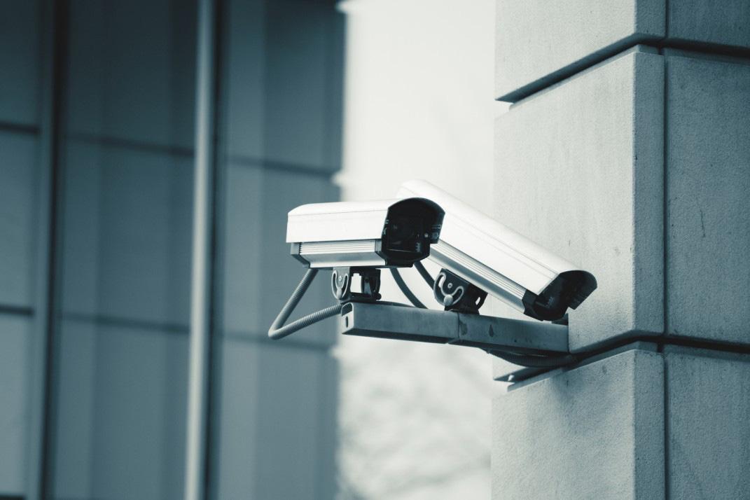 Người dùng cần làm gì để tránh bị camera an ninh 'giám sát' lại chính mình? - Ảnh 3.