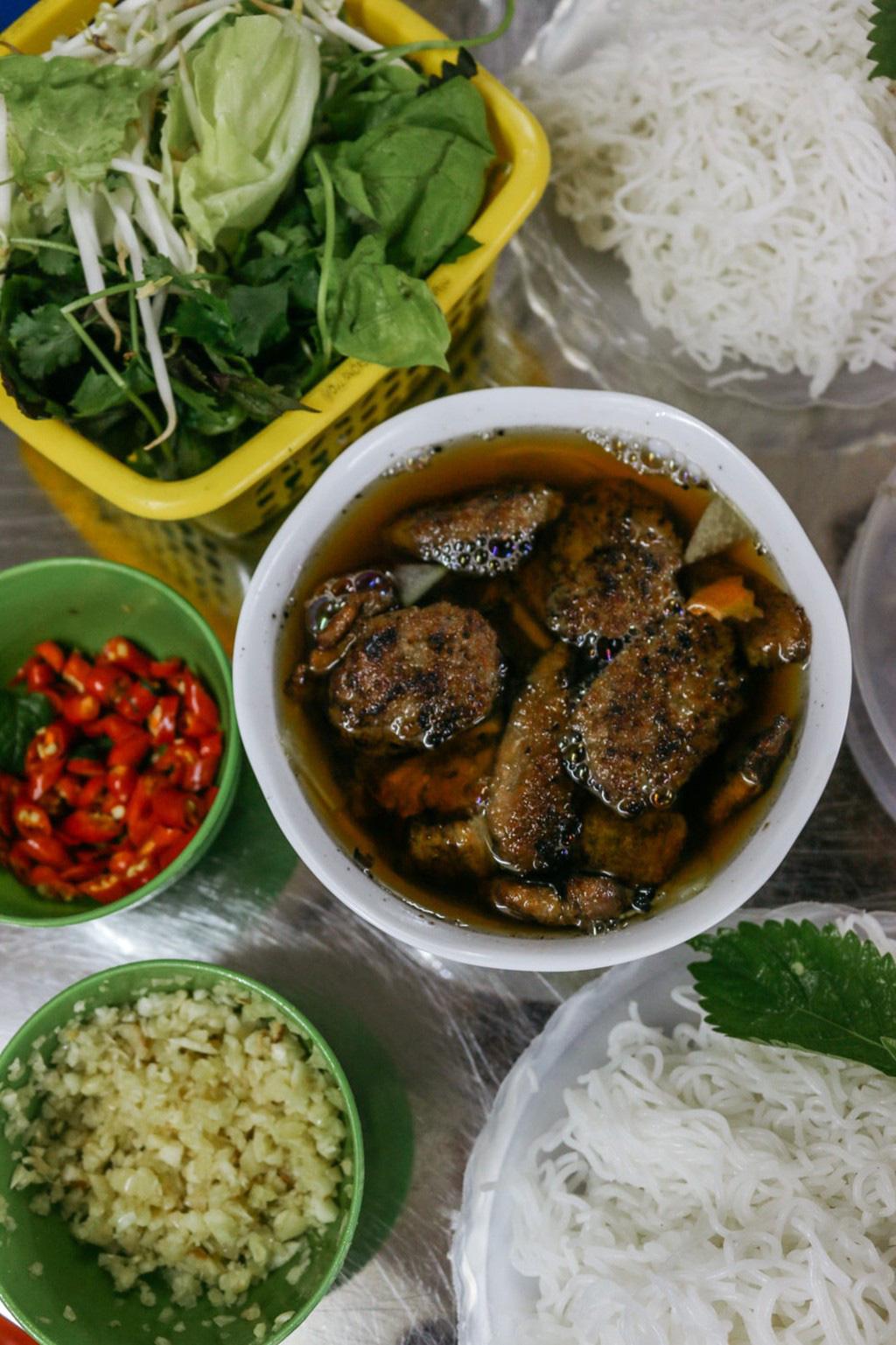 24 gio kham pha Ha Noi (6)