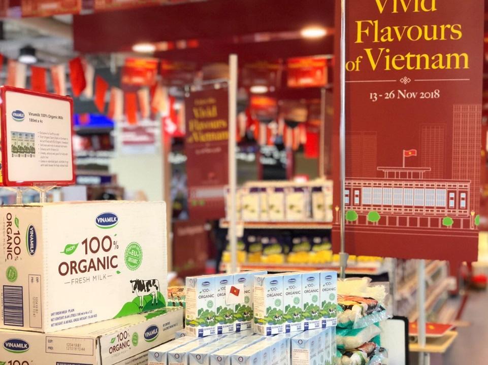Sữa tươi Organic của Vinamilk dành được cảm tình của người dân 'đảo quốc sư tử' - Ảnh 4.
