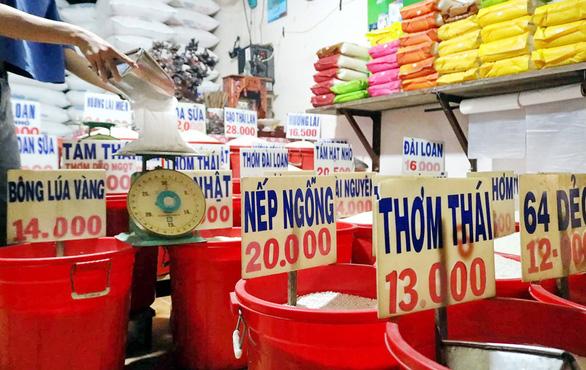 Thái mềm, Thái dẻo, Thái thơm... té ra là gạo Việt trộn - Ảnh 1.
