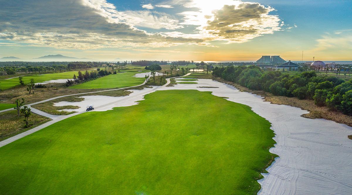 Chính phủ phê duyệt chủ trương đầu tư 2 dự án sân golf tại Quảng Nam và Lào Cai - Ảnh 1.