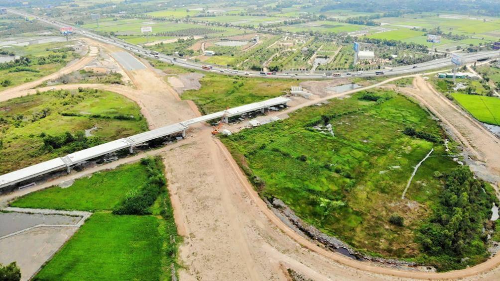 Hàng loạt dự án giao thông lớn phía Nam chậm vì đói vốn - Ảnh 1.