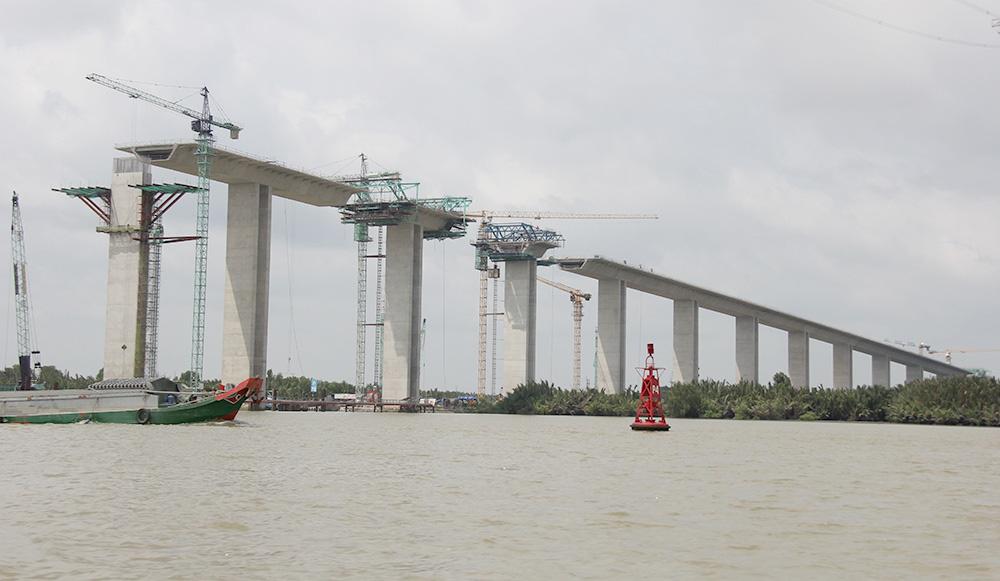 Hàng loạt dự án giao thông lớn phía Nam chậm vì đói vốn - Ảnh 2.