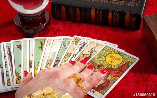 Tử vi hôm nay (8/5) qua lá bài Tarot: Thời điểm tuyệt vời để đầu tư
