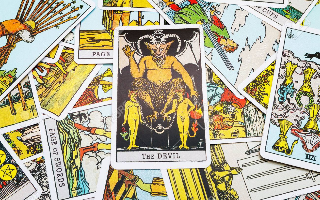 Tử vi hôm nay (02/3) qua lá bài Tarot: Ngày của sự thật