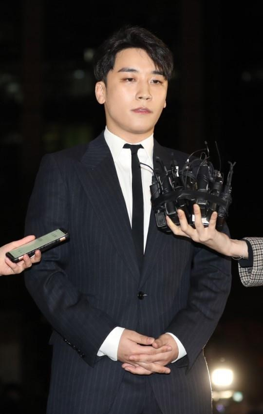 Seungri vướng nghi vấn lập công ty ma ở Hong Kong để trốn thuế - Ảnh 1.