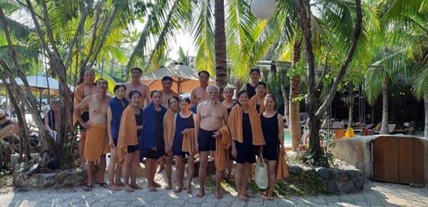Cụ ông 92 tuổi bao vợ cùng 16 người con đi Đà Lạt - Nha Trang, các cháu chỉ được ở nhà hóng ảnh - Ảnh 8.