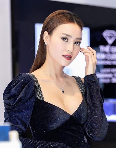 Những mẫu kẹp tóc được Ngọc Trinh, Kỳ Duyên và nhiều mĩ nhân Việt thi nhau sủng ái  - Ảnh 10.