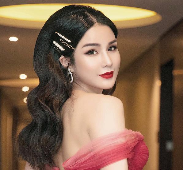 Những mẫu kẹp tóc được Ngọc Trinh, Kỳ Duyên và nhiều mĩ nhân Việt thi nhau sủng ái  - Ảnh 4.