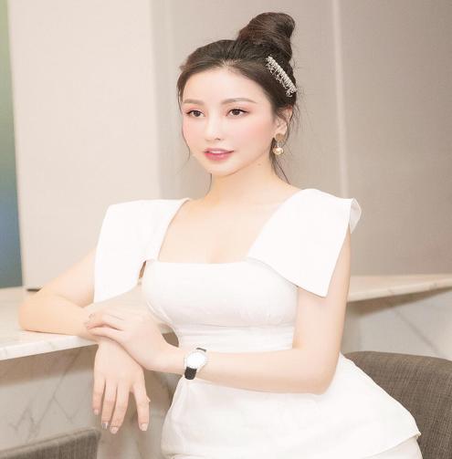 Những mẫu kẹp tóc được Ngọc Trinh, Kỳ Duyên và nhiều mĩ nhân Việt thi nhau sủng ái  - Ảnh 5.