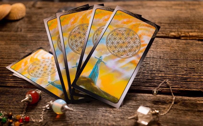 Tử vi hôm nay (15/3) qua lá bài Tarot: Cẩn thận khi cho vay tiền