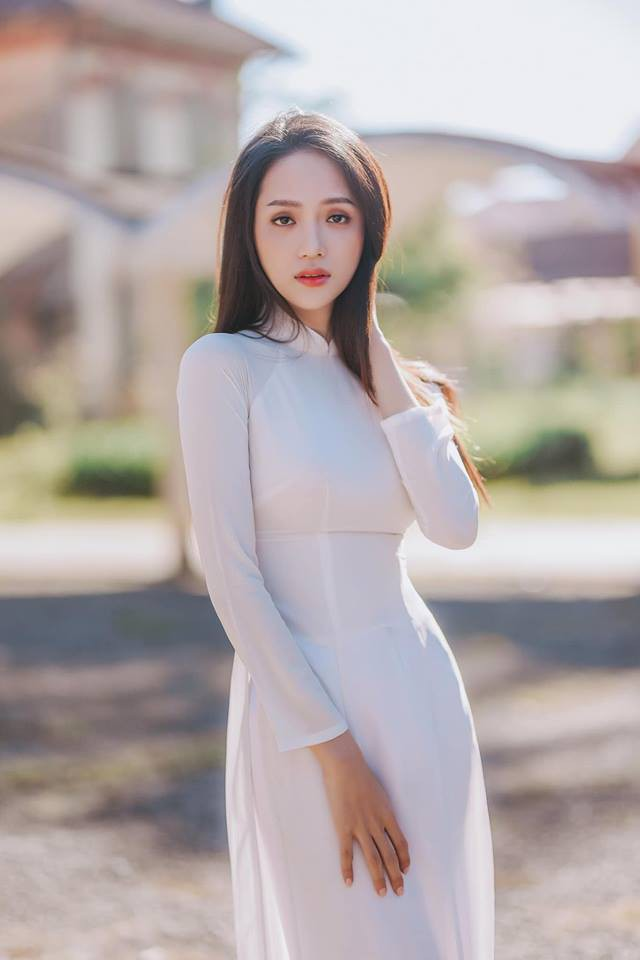 Sao Việt hôm nay (15/3): Hương Giang khoe sắc với áo dài trắng, Ali Hoàng Dương phát hành sản phẩm mới - Ảnh 2.