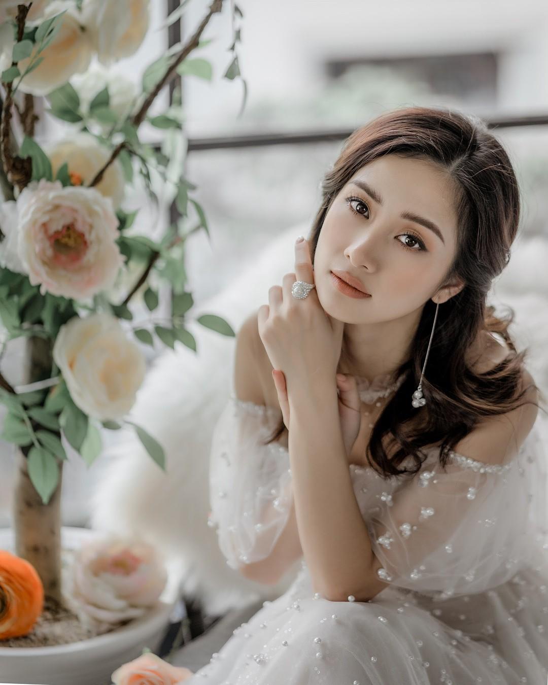 Jun Vũ: Hành trình xoá bỏ hình ảnh ngọc nữ để theo đuổi phong cách