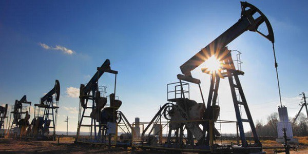Giá xăng dầu hôm nay 25/3: Chờ tín hiệu mới, giá nhiên liệu lên nhẹ   - Ảnh 1.