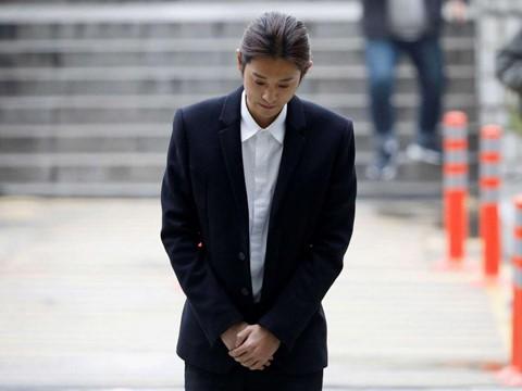 Jung Joon Young - tên thiếu gia mê hoặc phụ nữ, giỏi lừa lọc khán giả? - Ảnh 2.