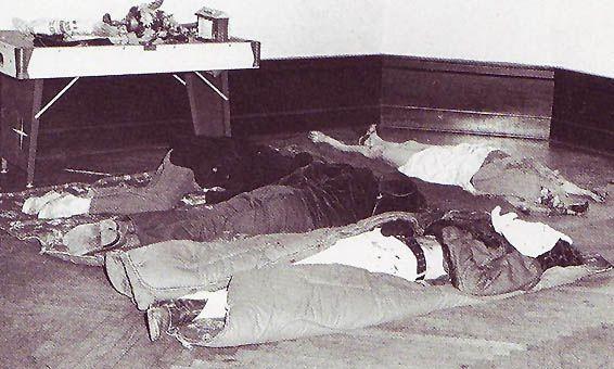 Bệnh hoạn gã hề sát nhân hiếp giết 32 nam giới - Ảnh 4.