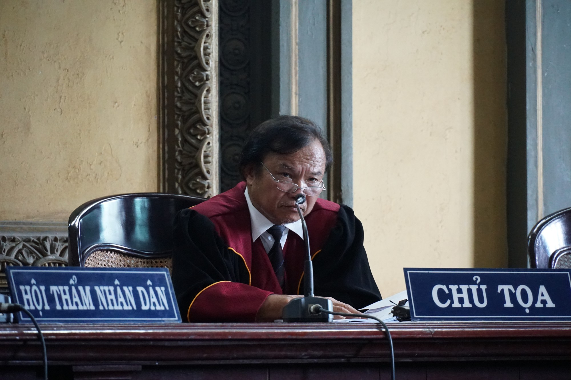 Bà Lê Hoàng Diệp Thảo: Tòa cưỡng ép li hôn, không cho gia đình tôi đoàn tụ - Ảnh 2.