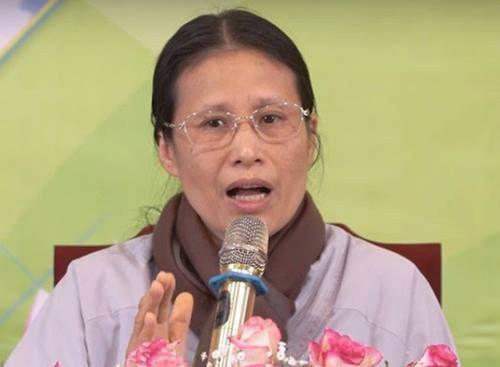 Bà Phạm Thị Yến xin lỗi gia đình nữ sinh giao gà ở Điện Biên - Ảnh 1.