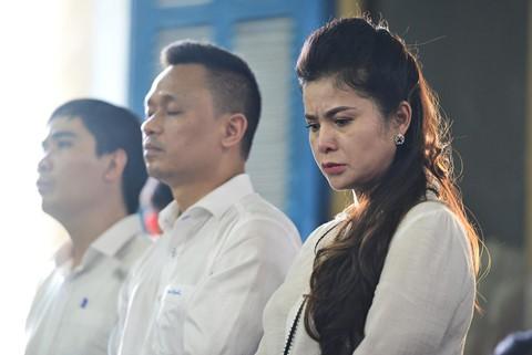 Cảm xúc trái chiều của vợ chồng vua cà phê sau phiên tòa ly hôn - Ảnh 14.