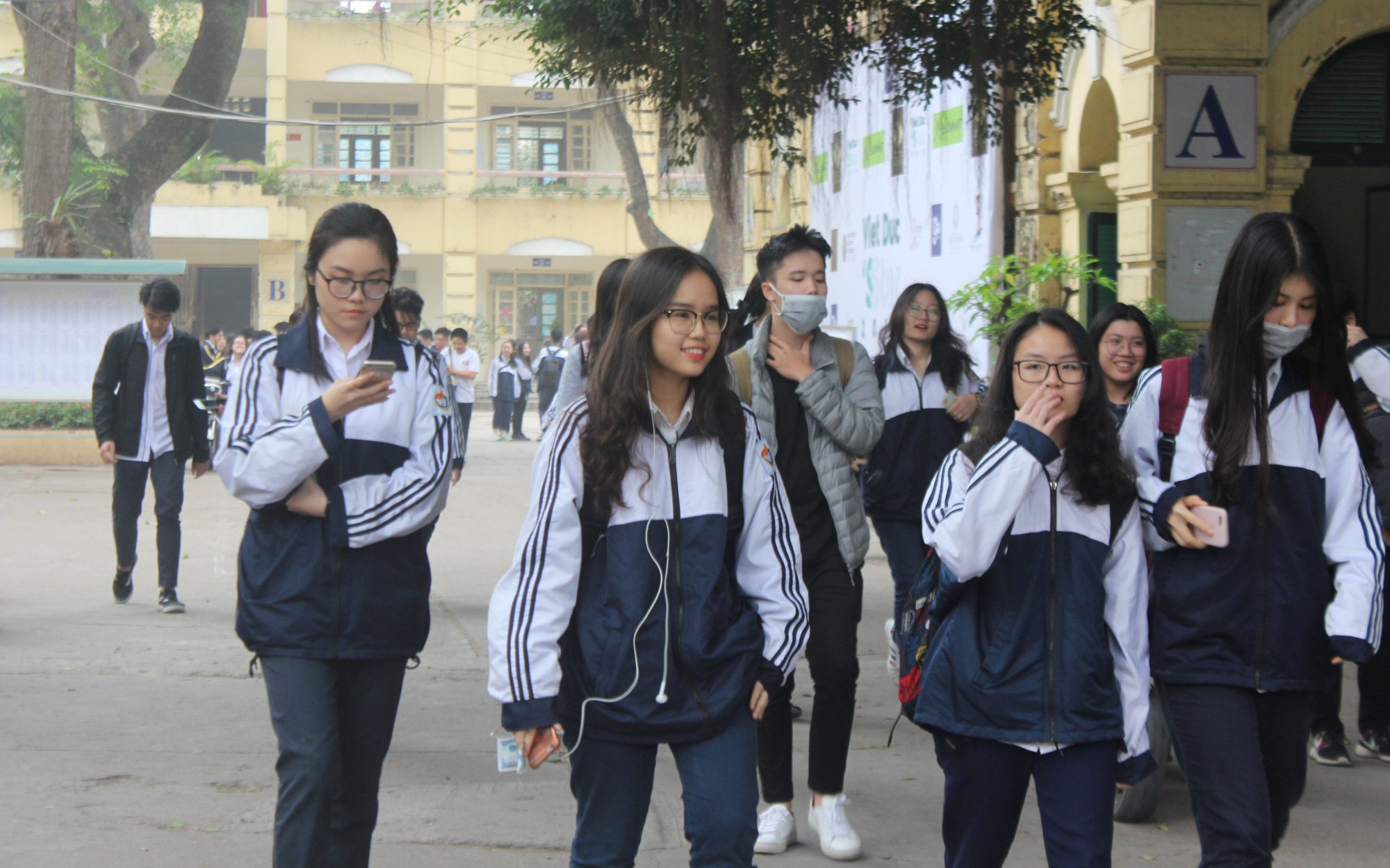 Đề thi khảo sát lớp 12 môn Toán tại Hà Nội năm 2019