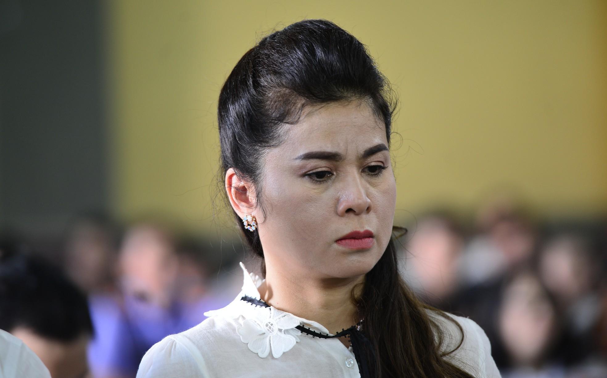 Vụ li hôn của vợ chồng 'vua' cà phê Trung Nguyên: Tòa tuyên bà Thảo giao cổ phần, nhận 'tiền thối' đúng không?