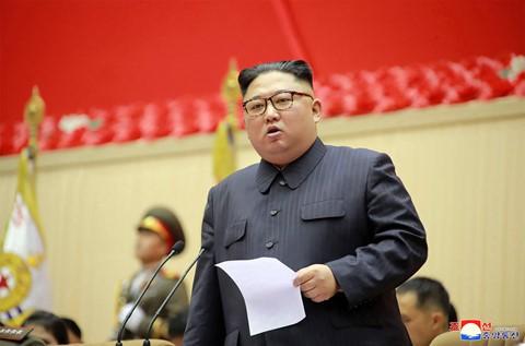 Ông Kim Jong Un phát biểu, quân nhân vừa ghi chép vừa khóc - Ảnh 3.