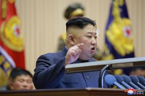Ông Kim Jong Un phát biểu, quân nhân vừa ghi chép vừa khóc - Ảnh 8.