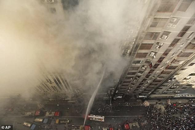 Cháy lớn tại trung tâm thương mại của Bangladesh khiến ít nhất 19 người tử vong - Ảnh 3.