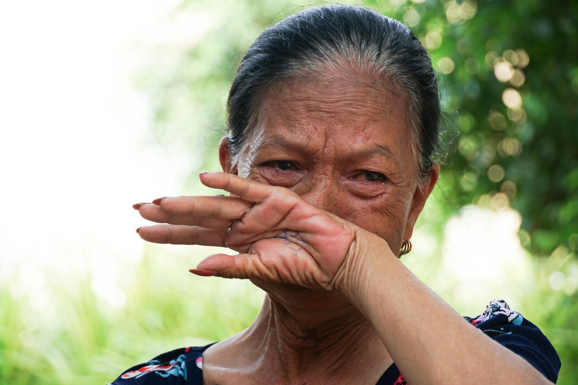 Chuyện tình đẹp như phim của bác bảo vệ già bị dàn cảnh trộm xe SH, bật khóc nức nở giữa Sài Gòn - Ảnh 3.