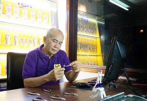 Chia 35% cổ phần cho vợ, ông chủ kềm nổi tiếng một thời ở Sài Gòn trắng tay đi khởi nghiệp lại - Ảnh 3.