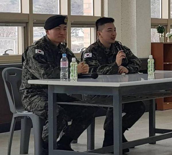 Mặc cho Seungri khốn khổ, TaeyangvàDaesung vẫn bận rộn với lịch trình ca hát trong quân đội: VIP phải làm sao? - Ảnh 2.